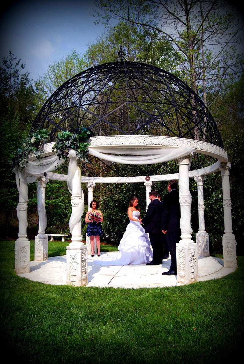Gazebo Wedding at Cavender Castle- scenic Georgia Wedding Venues