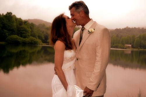Cabin & Vacation Rental Weddings